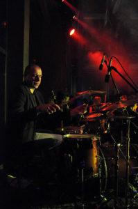 Koncert Niepodległości 2009. Perkusista Grzegorz Grzyb (fot.Paweł Rzeńca)