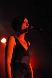 Koncert Niepodległości 2009. Wokalistka Ola Turkiewicz (fot. Pawel Rzeńca)