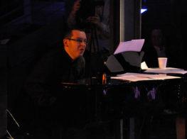 Koncert Niepodległości 2009. Kontrabasista Marcin Murawski (fot.Paweł Rzeńca)