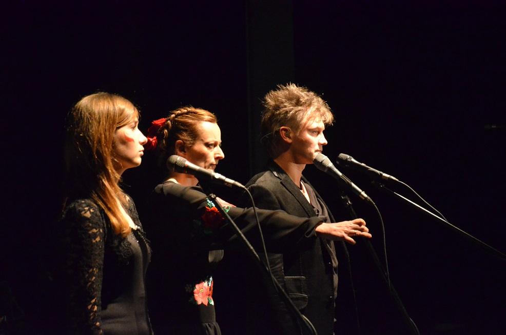 """Justyna Rodasik, Ola Turkiewicz, Grzegorz Wilk. VI Koncert Niepodległości """"Poland"""". Muzeum Powstania Warszawskiego 11.11.2014. Fot. Dorota Smolarek"""